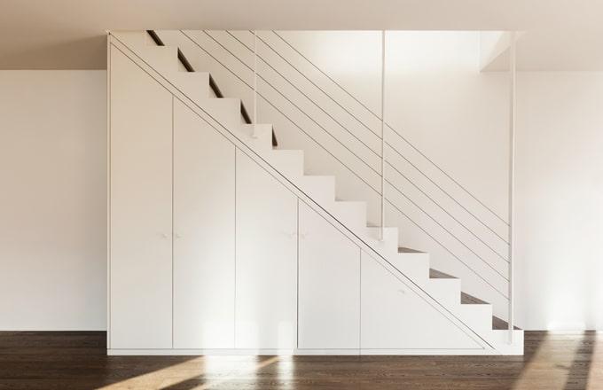 Kleerkasten op maat realisaties prijzen kleerkast op maat for Dichte trap maken